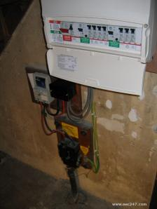 Now this is a happy fusebox